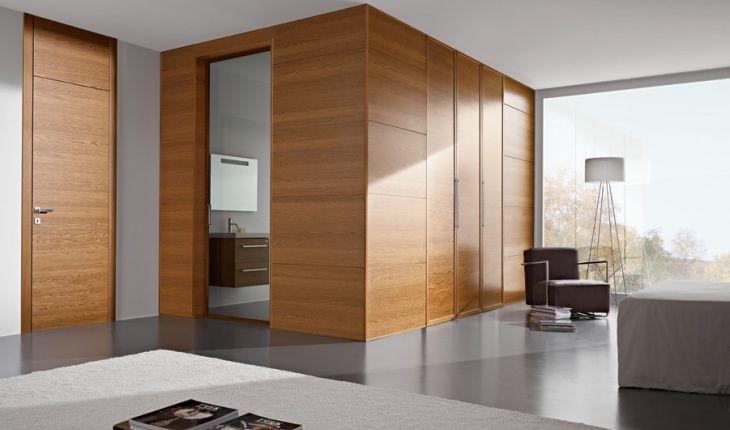 Bagno Boiserie ~ Boiserie moderna in legno con pannelli in legno e porta raso