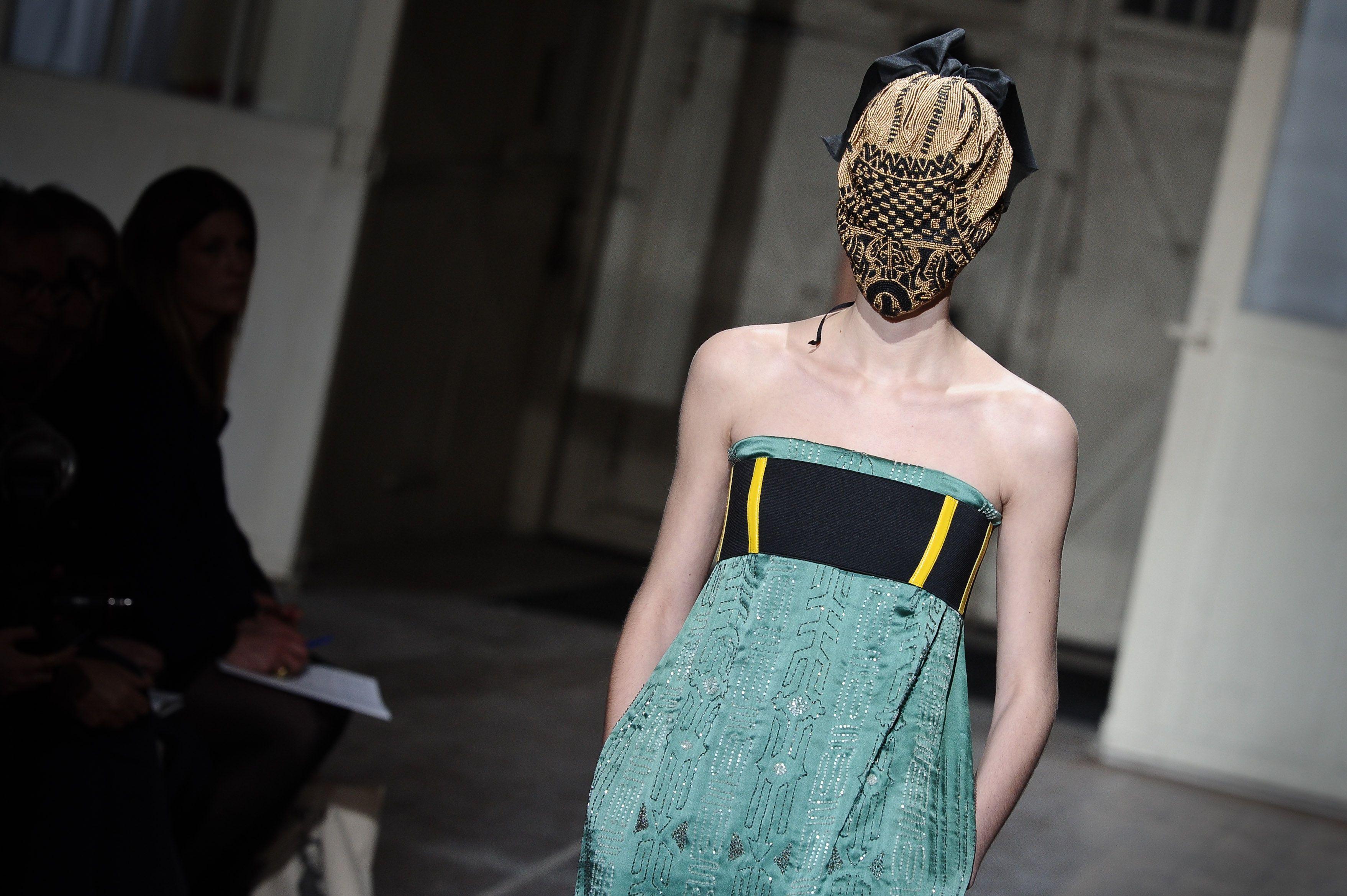 París Houte Couture SS 2013: Desfile de Martin Margiela