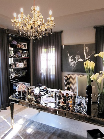 Love Her Or Hate Cant Deny Khloe Kardashians Office Is