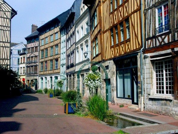 The Best Itinerary For Walking In The Old Town Of Rouen French Moments Day Trip From Paris Rouen Old Town