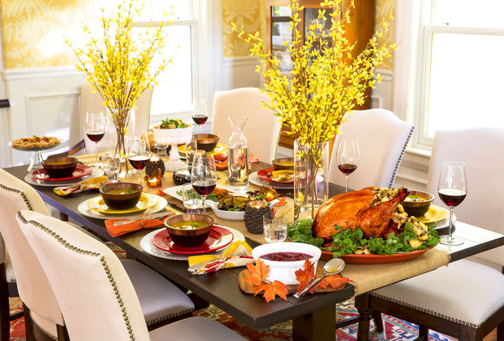 33 Simple Diy Thanksgiving Dinner Table Centerpieces Dinner Table Centerpieces Simple Thanksgiving Table Thanksgiving Table Decorations