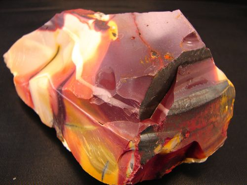 In Australia, Mookaite is considered to be a healing stone that bestows strength. It is said to shield the wearer from difficult situations and to connect us to loved ones who have passed away.