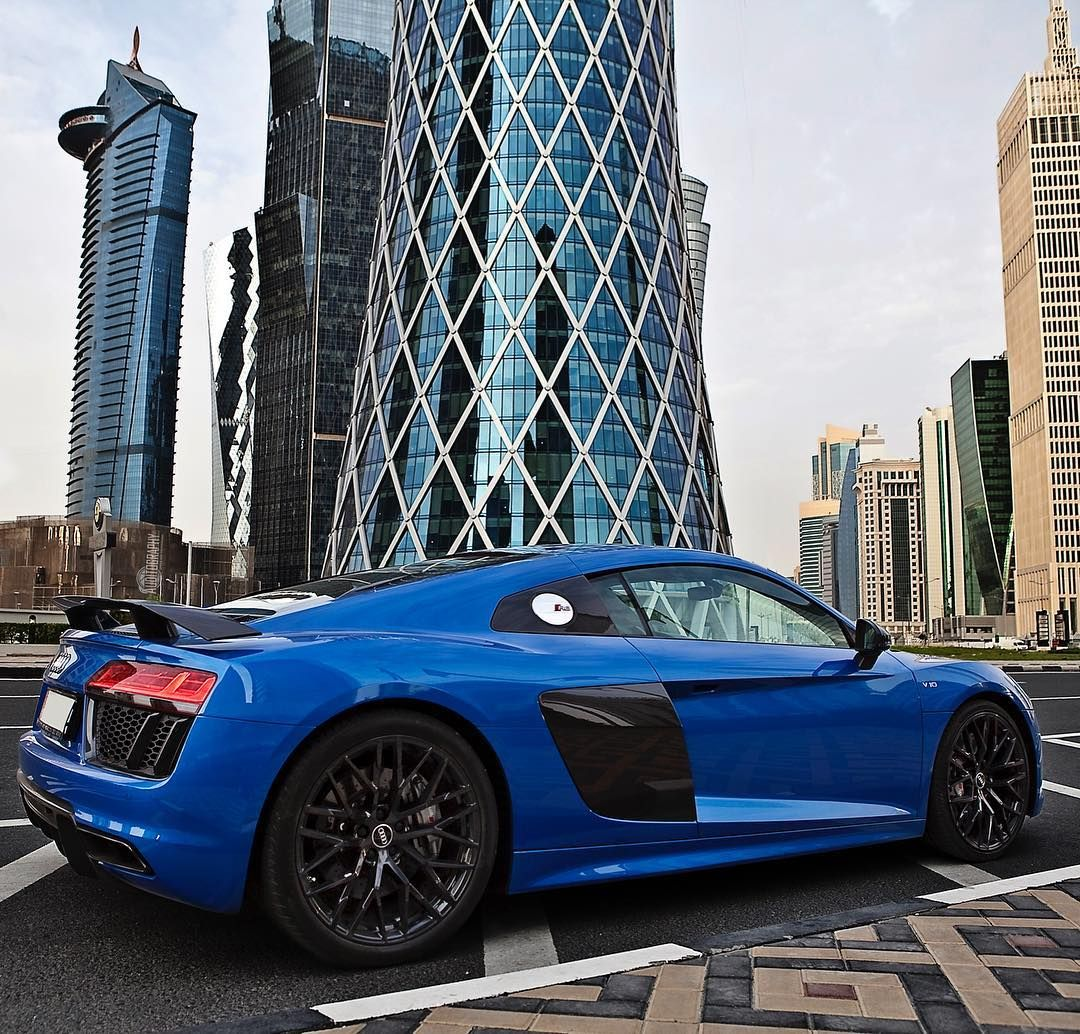 Incroyable Car: 2017 @Audi R8 V10 Plus (610hp V10 5.2 NA) Performance:  0 100kmh(62mph): 2.87seconds (tested) 3.2 Seconds (official) Color: Macaw /  Ara Blue Crystal ...