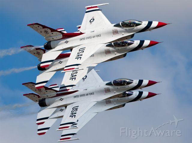 Lockheed F-16 Fightingの写真