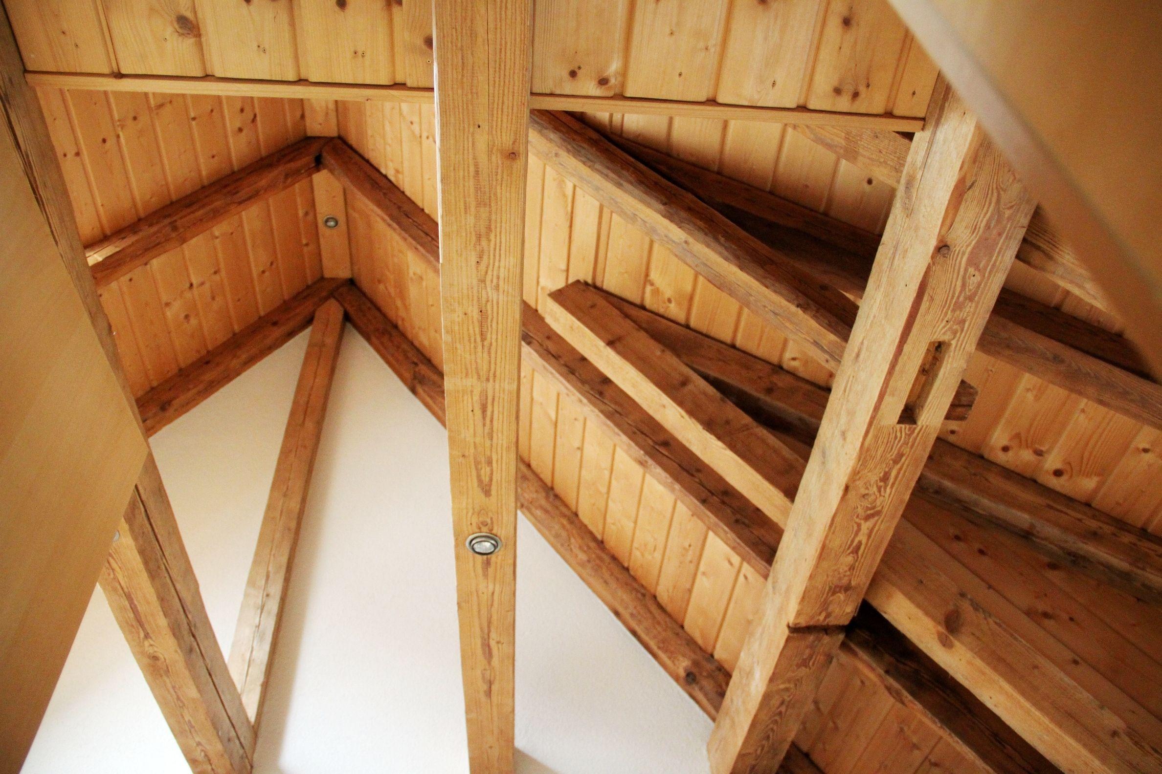 dachstuhl eines alten siedlungshauses gebaut um 1910 in Unterfranken/Bavaria