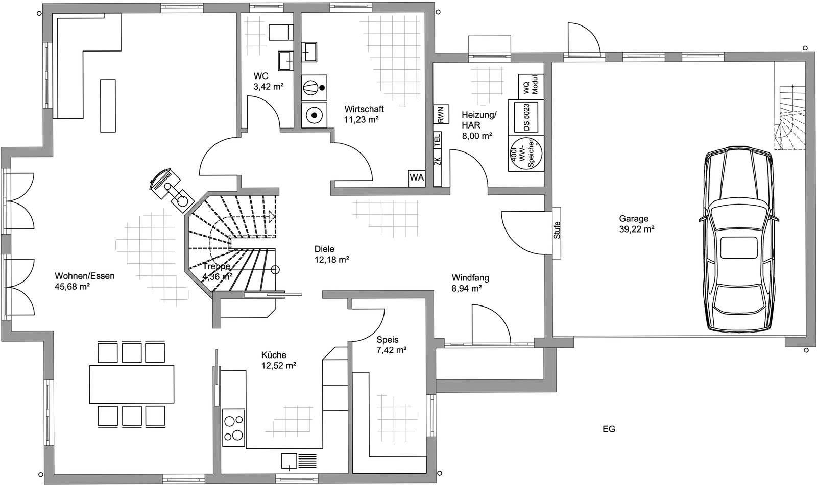 Das Klassische Haus Wirkt Durch Viele Symmetrische Fensterflächen Einladend  Und Harmonisch. Die Hellblaue Fassade Macht