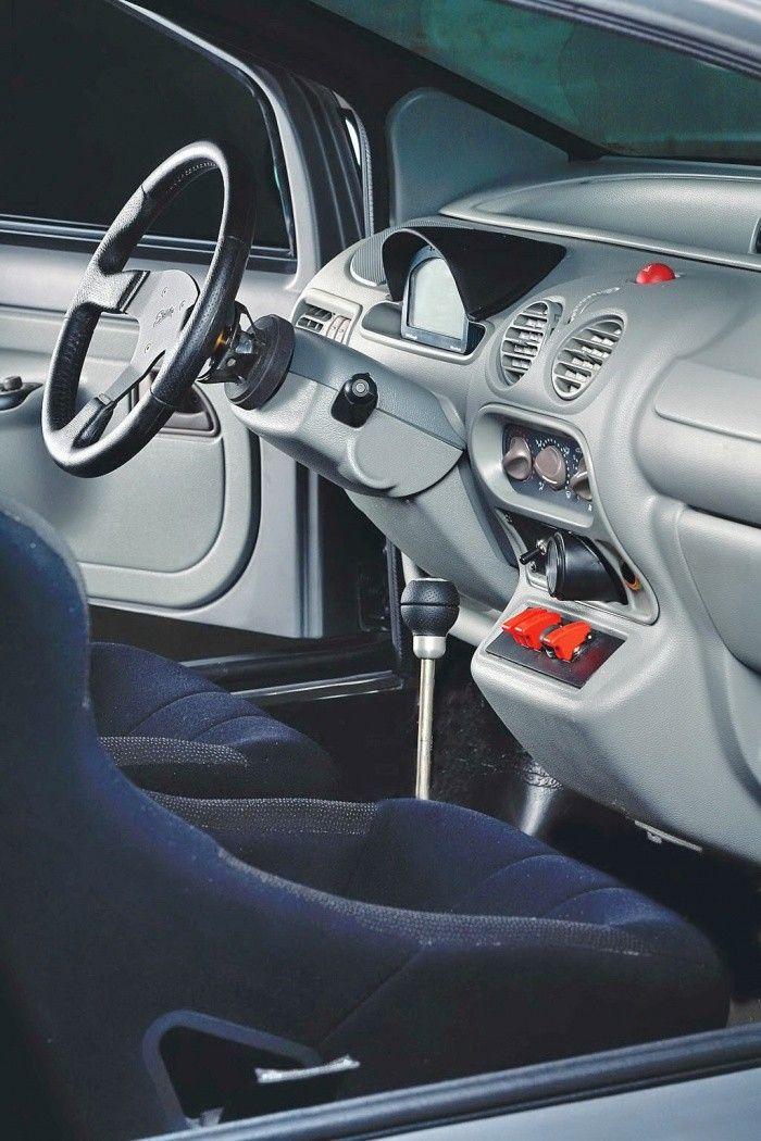 Avant Que Ne Sorte La Twingo Rs Il N Y Avait Pas Vraiment De Version Sportive De La Citadine De Chez Renault Pour R Primeiro Carro Carros Customizados Carros