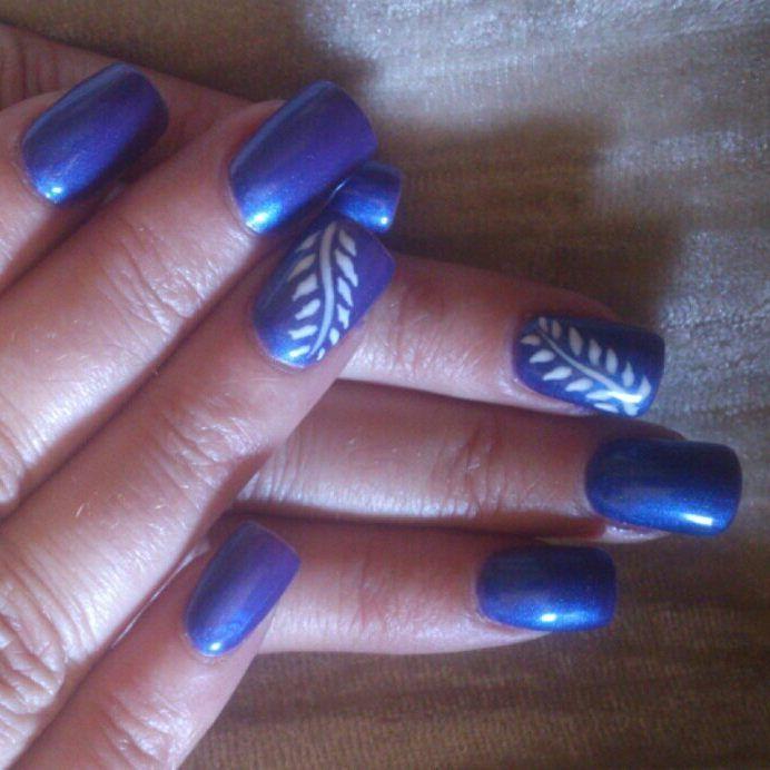 uñas azules con ramita blanca | uñas acrílicas y permanentes ...