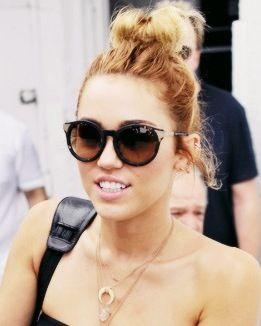 8713aeb56f accessories - sunglasses - miley cyrus