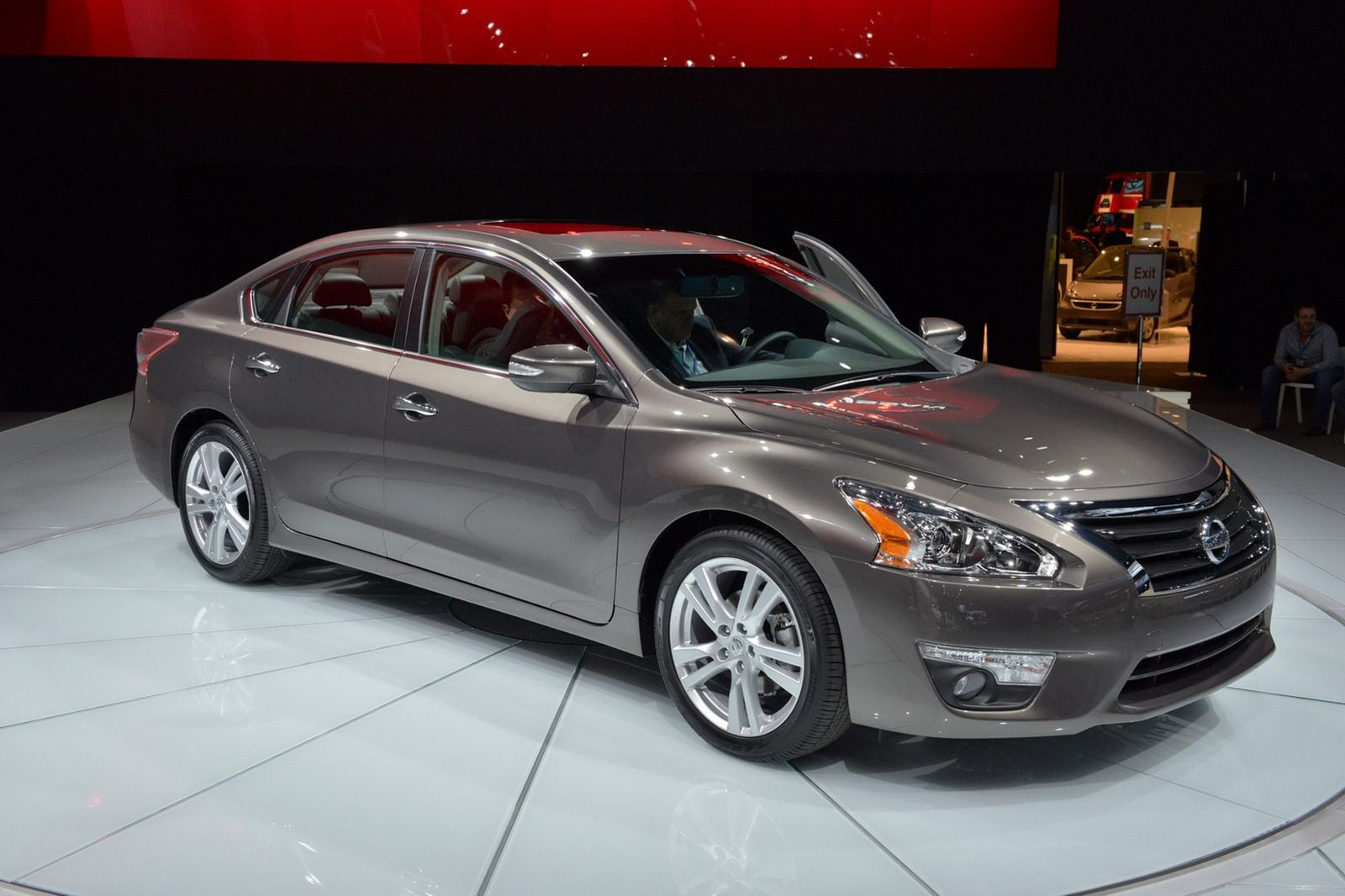 2015 nissan altima prices 2015 Nissan Altima Overview