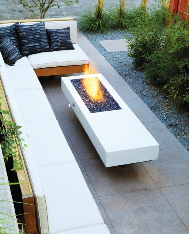 Bodenbelag im Garten sitzecke-graue-terrassenplatten-gas