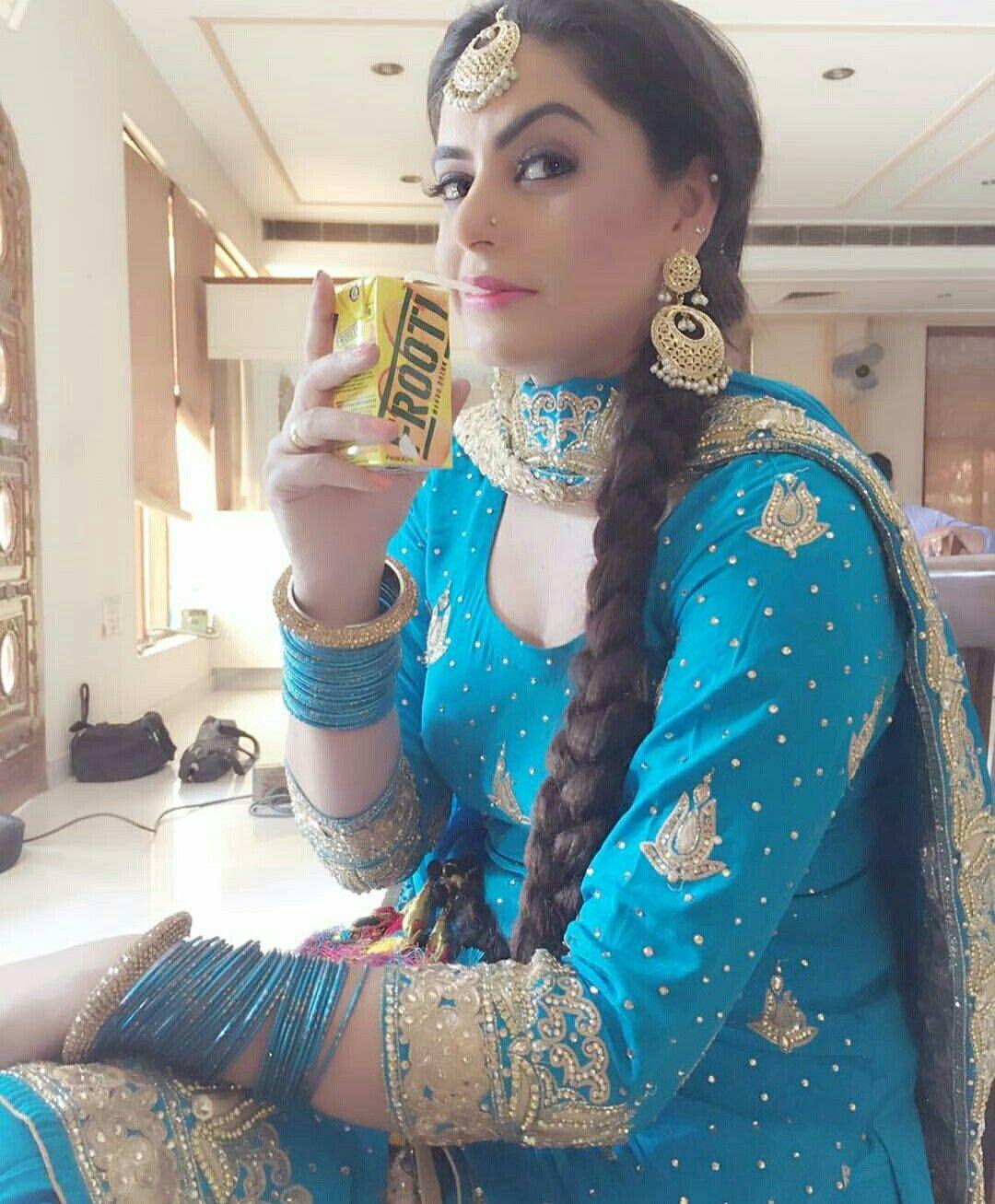 Pin by Kirandeep Kaur on punjabi suits lovr | Pinterest | Punjabi ...