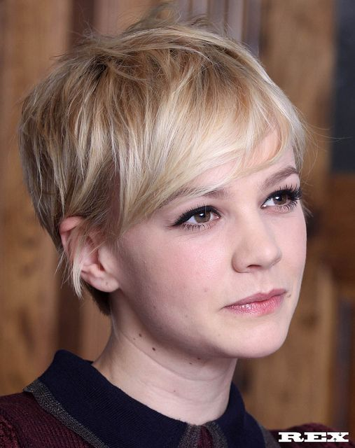 Carey Mulligan - 60s pixie crop