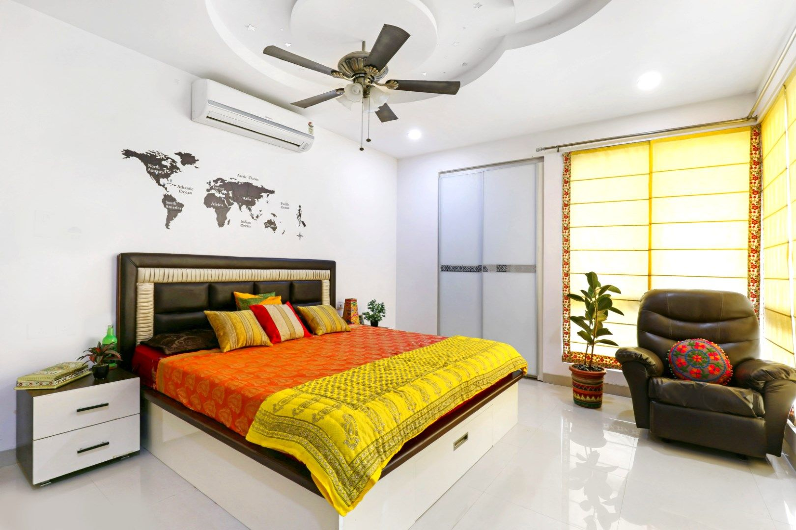 A blend of tradition and modernity | Indian bedroom design ...