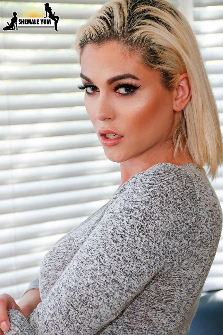 Beautiful Trans Porn Star - Domino Presley is a legedary tgirl who has done many shoots and is loved by  many who say Domino Presley is the most beautiful trans girl ever, ...