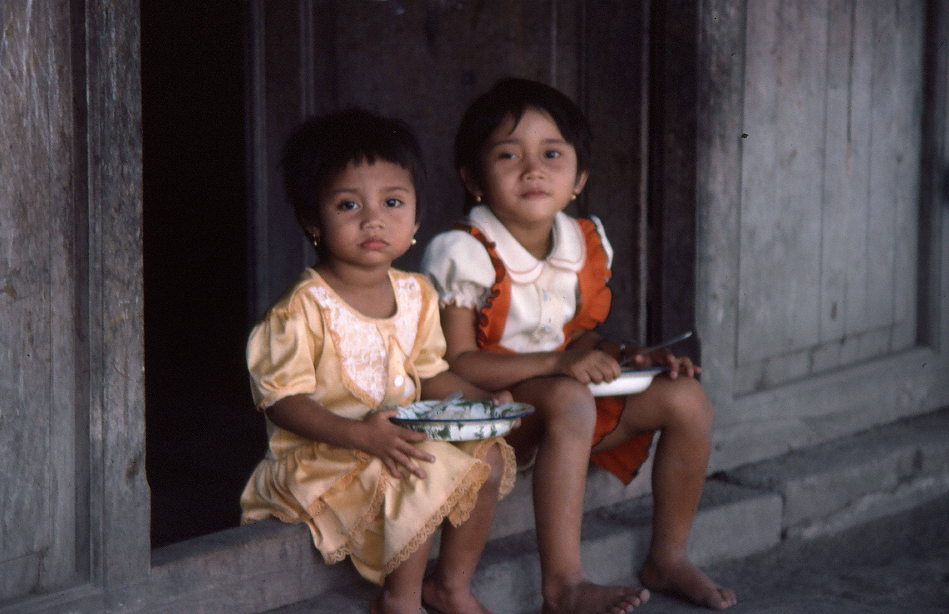 deux enfants sages