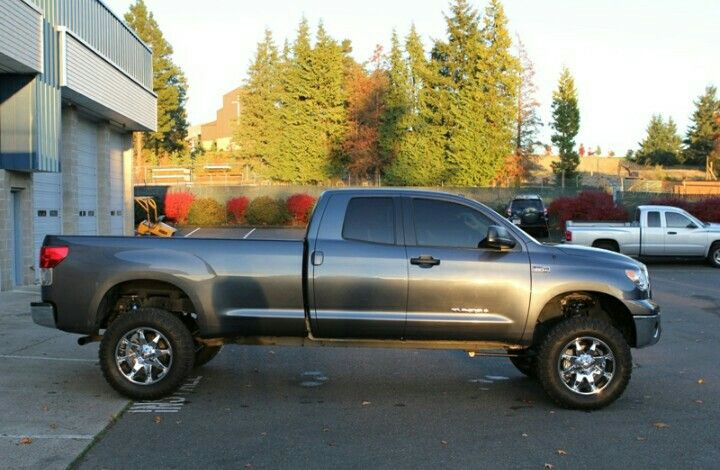 lifted tundra long bed gallery