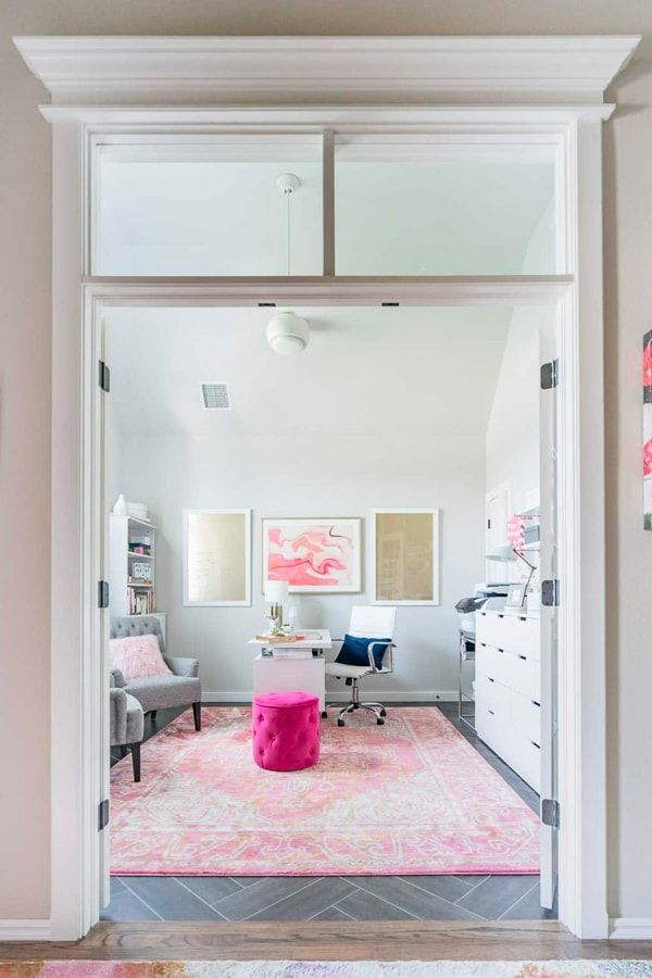 20 Inspirational Home Office Decor Ideas For 2019: Beautiful Office Inspiration - White, Pink And Gold Organized Home Office
