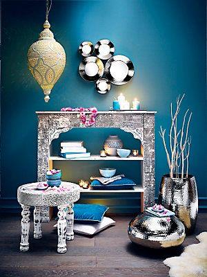 Deko spiegel kaminumbau beistelltisch hocker pendelleuchte home sweet home - Wohnzimmer orientalischer stil ...