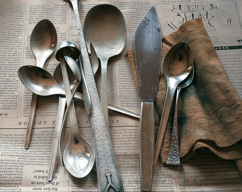 2000 Real Simple / Creative Director: Robert Valentine / Photography: Maria Robledo #silverware