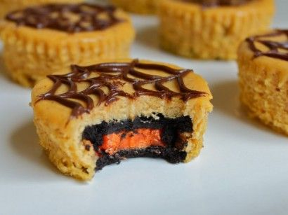 Cute Halloween treats. Oreo Pumpkin Cheesecakes. Special Halloween Oreos with orange filling!