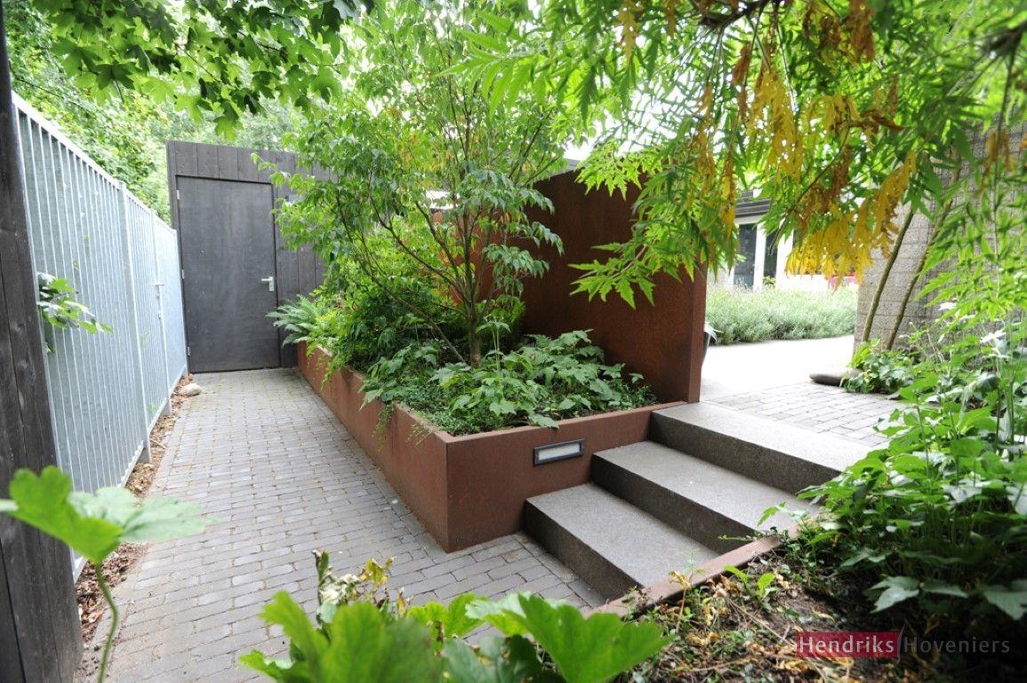 Tuin hoogteverschil natuurlijk google zoeken tuin ideeen for Kleine stadstuin ideeen