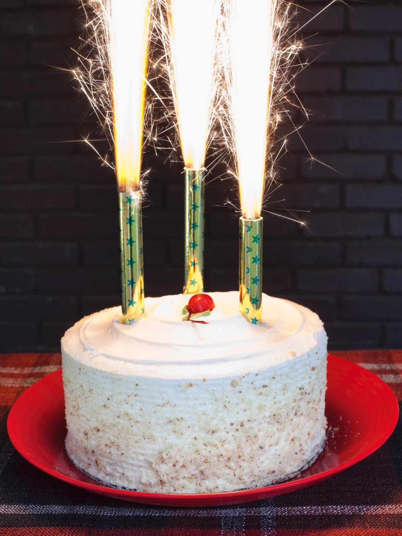 Simply Chic Fourth of July Entertaining Ideas Cake sparklers Wax
