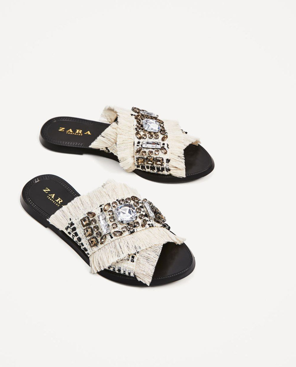 f2d37fec9 Zara, flat sandals with an extra touch for a day party or a casual evening  out.