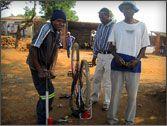 Keep your tires full!  Técnicos de bicicletas @Mozambikes  #bicycles #bicicletas #Mozambique #donate