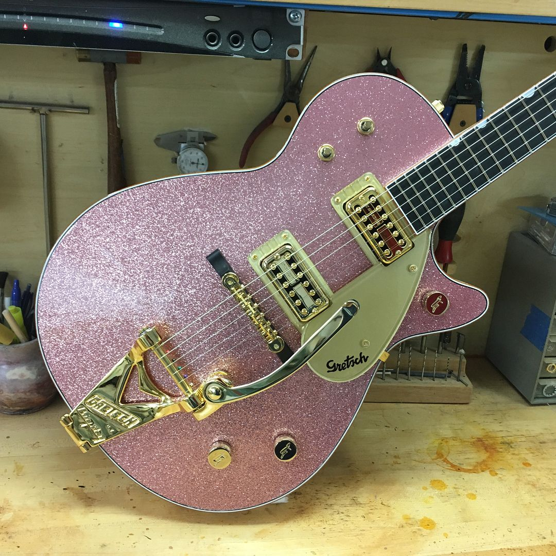 "Stephen Stern on Instagram: ""Custom Pink Champagne Sparkle Jet with script logo. #guitars #gretschguitars #gretschcustomshop #guitar #guitarlove #guitarlover…"" #vintageguitars"
