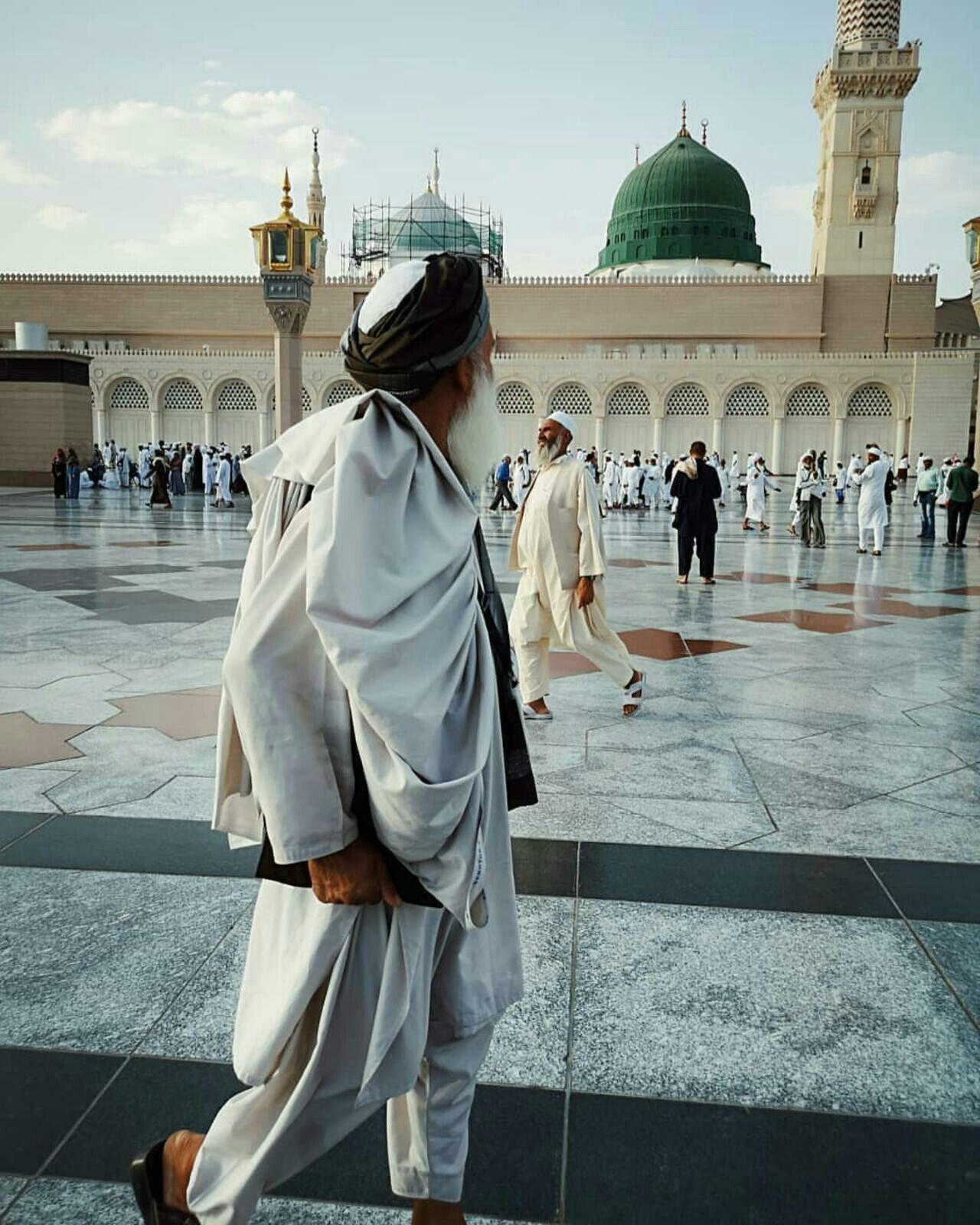 Pin By Khalil Alotaibi On Al Madinah Al Munawwarah المدينة المنورة Yathrib يثرب Medina Mosque Beautiful Mosques Imam Hussain Wallpapers