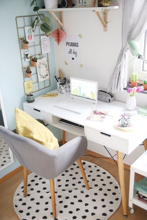60 Comfortable Home Office Ideas to Inspire - Office Desk - Ideas of Office Desk #OfficeDesk -  home office ideas; desk decors; small home office; desk ideas; workspace.