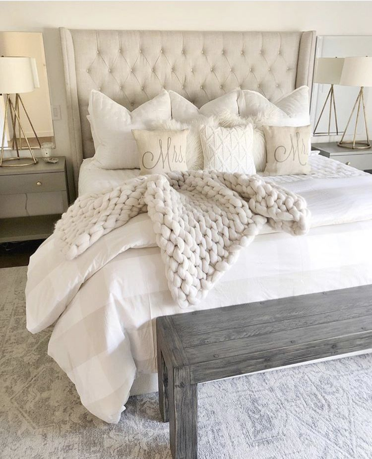 Pin By Carlie Vickers On Bedroom In The Making Master Bedrooms Decor Home Decor Bedroom Simple Bedroom