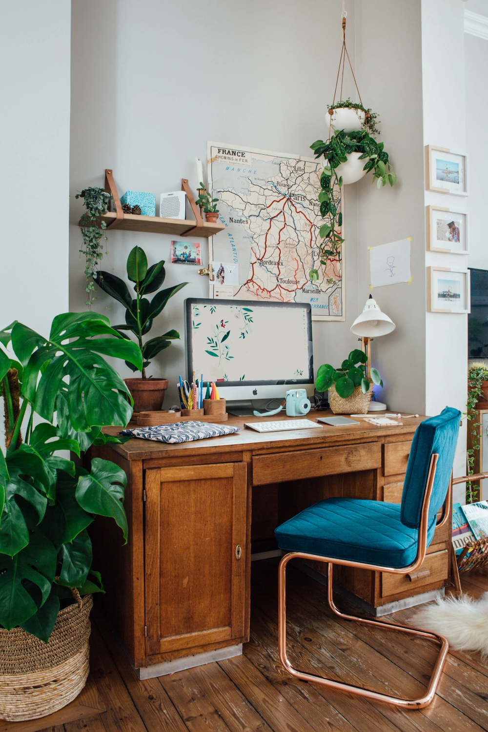 Photo of How to Create a Workspace at Home – Design School Sunday