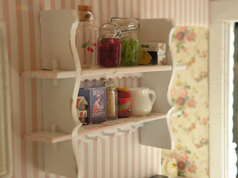 Summer Rose Cottage kitchen shelf