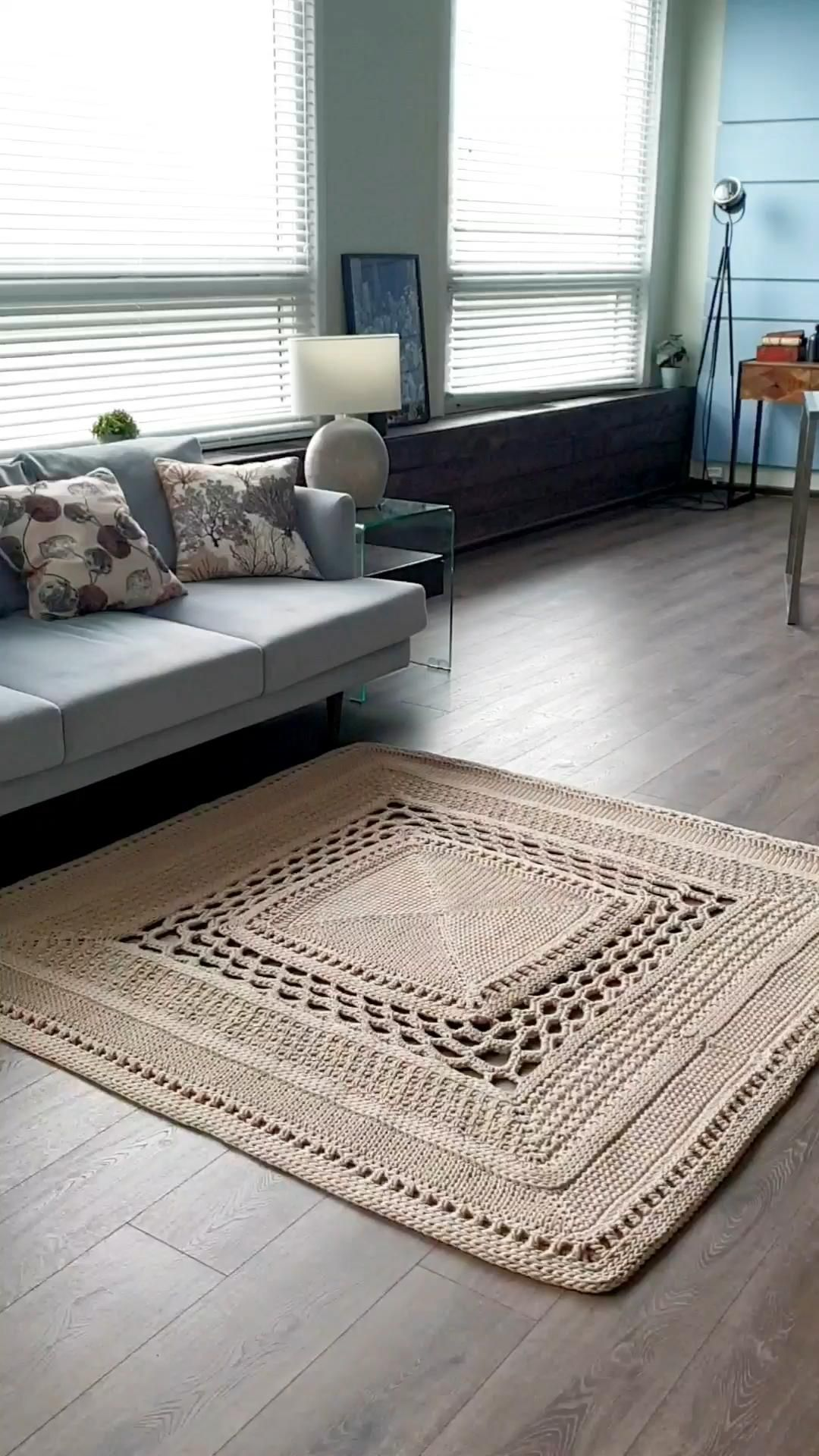 Crocheted square rug pattern LaceChicago by Lacemats. Video tutorial is available in English (subt