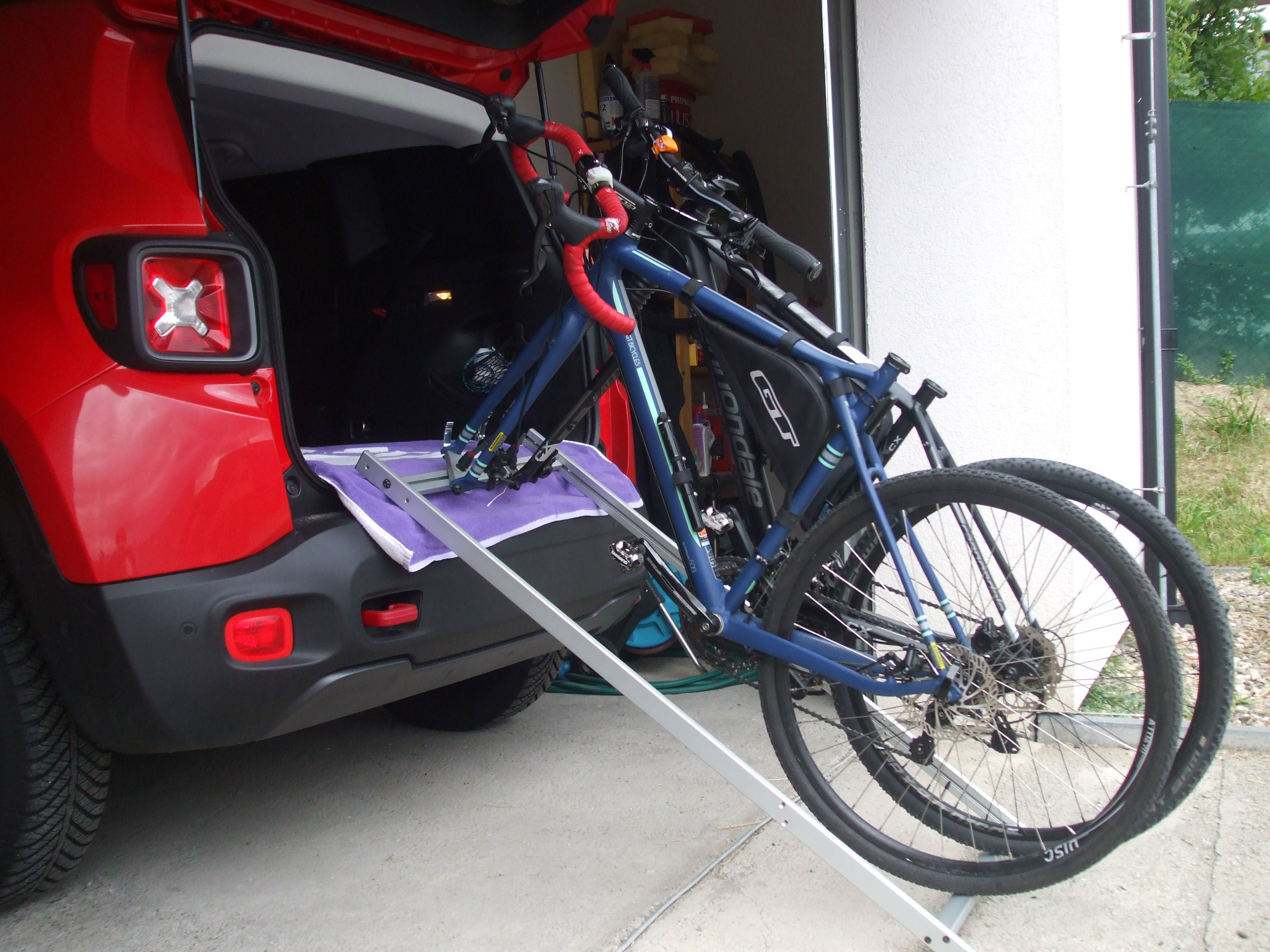 Pin By Franta Vostarek On Jeep Renegade Trailhawk Bikes