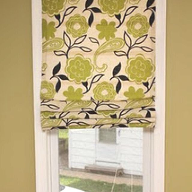 Roman shade out of mini blinds  http://365days2simplicity.blogspot.com/2011/04/easy-no-sew-roman-shades.html