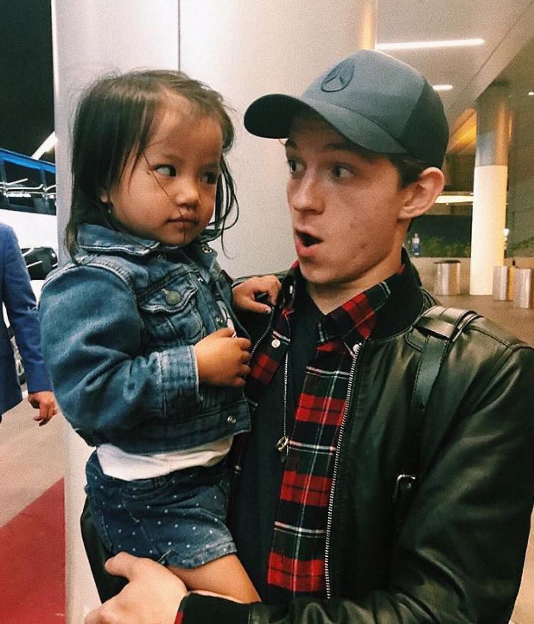 Oh. My. GOD!!! He'd be such a good dad