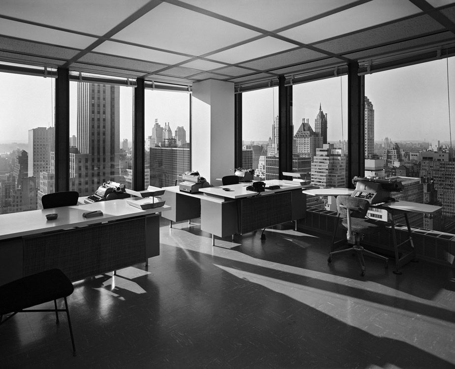 An stylish office space inside the seagram building modern life pinterest an the o 39 jays for New york life building interior