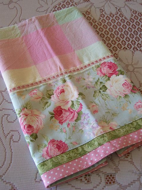 pretty in pinks a cottage roses tea towel quilts sewing