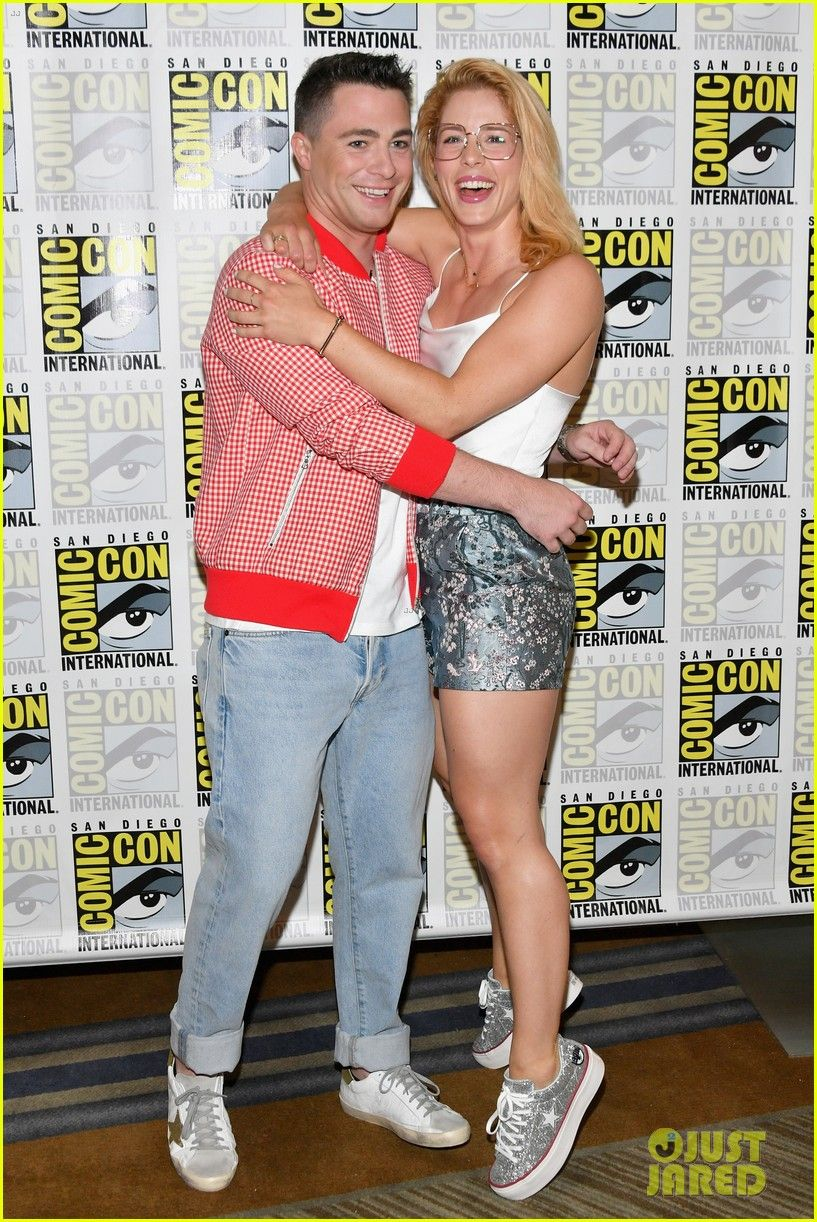 Bett Comic Colton Haynes And Emily Bett Rickards At The Comic Con 2018
