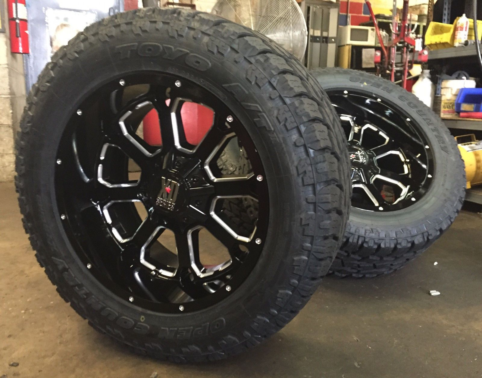 Brand New Wheel And Tire Package Set Of 4 Xd825 Buck Wheels 20x10 Et 24 Offset 8x180 Bolt Pattern F Black Wheels Wheel And Tire Packages Car Wheels Diy