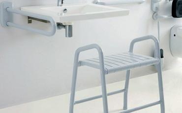 Accessori bagno disabili seggiolini e sgabelli doccia wall