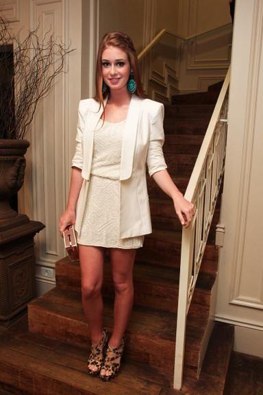 0569040c9 Bruna Marquezine e Marina Ruy Barbosa: aprenda a usar total white com as  famosas