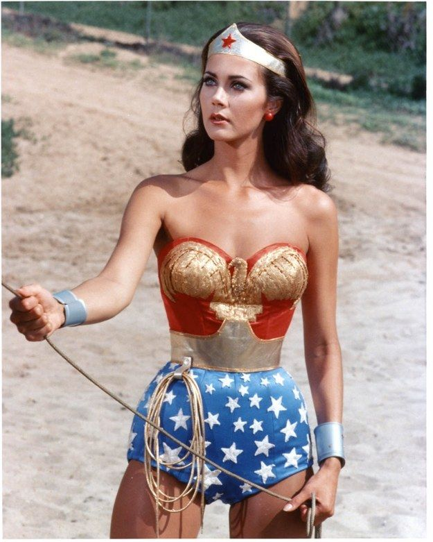 Which Heroine Should You Cosplay For Comic Con Wonder Woman Women Tv Lynda Carter