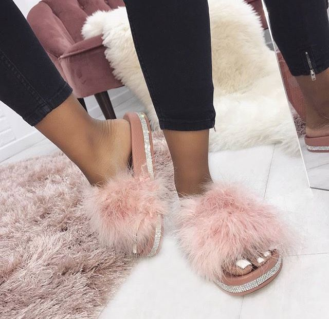 f980f969d5fc95 These pink slippers are so cute    I love pink shoes    New fashion 2018     Winter Fashion    Summer outfits    outfit ideas    OOTD Ideas
