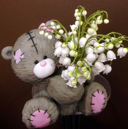 3D Figures - Tatty Teddy Bear with sugar lily of valley. Chocolate rice and marshmallow inside the bear.