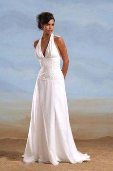 How To Choose A Beach Theme Wedding Dress Beach Wedding Dress Halter Wedding Dress Simple Wedding Dress Beach