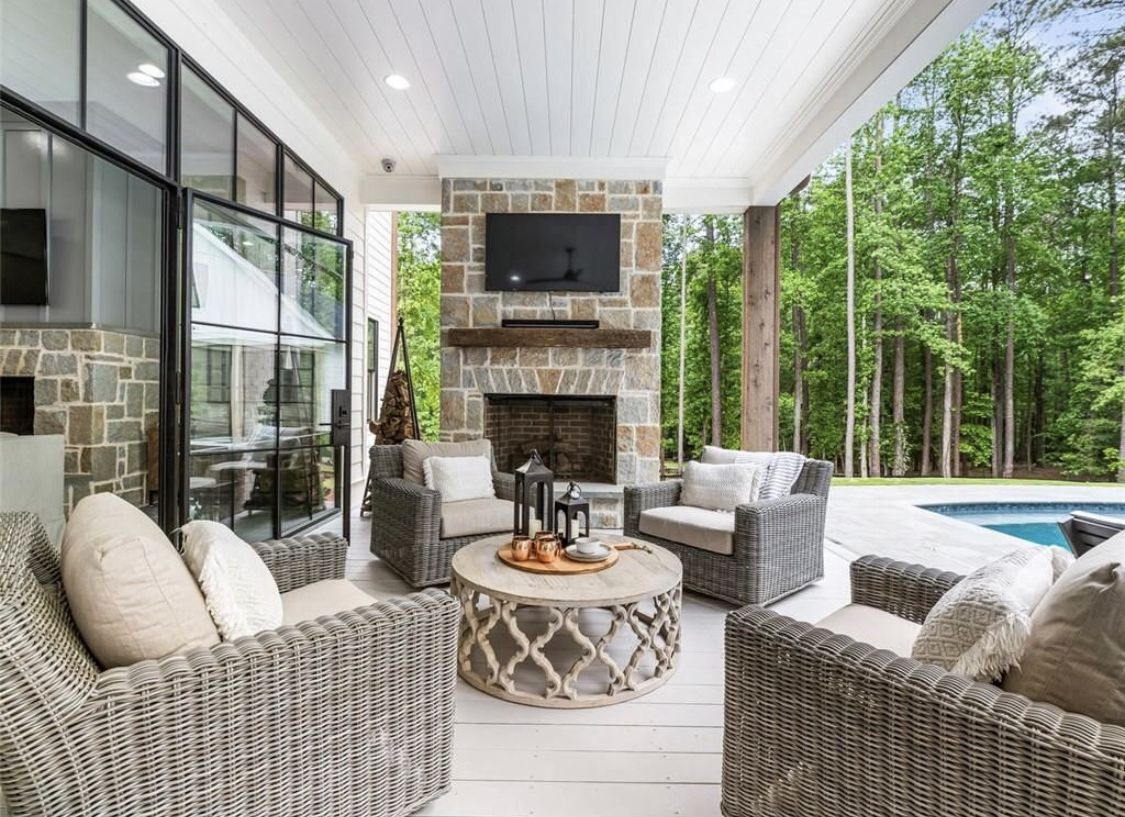 A Rustic Chic Family Home Made For Indoor Outdoor Living Farmhouse Style Living Room Rustic Farmhouse Living Room Farm House Living Room